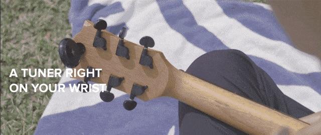 코너, 손목에 차는 음악연주 보조 장치